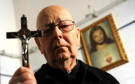 Padre Amorth, l'Esorcista del Vaticano.
