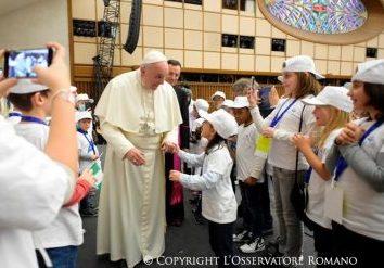 Il papa incontra la comunità dell ospedale Bambino Gesù