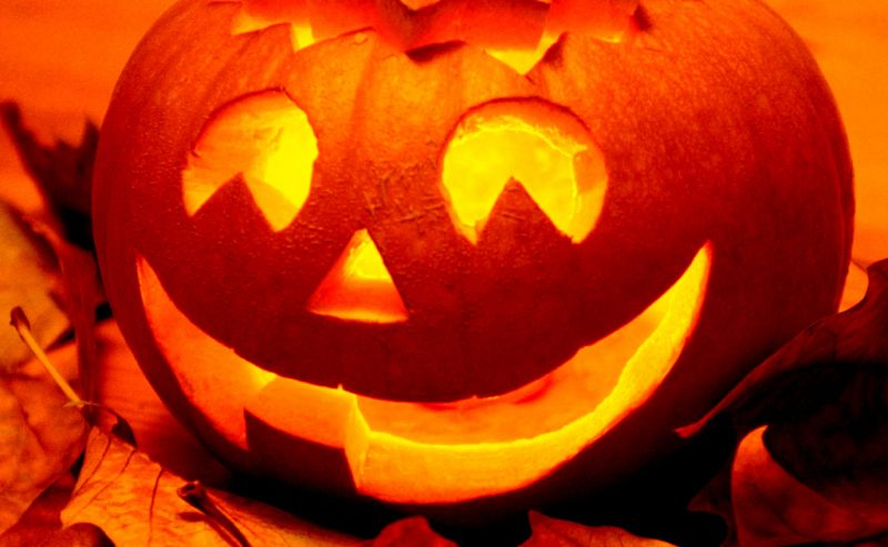 Papa Francesco, contro Halloween, riafferma la forza dei Santi