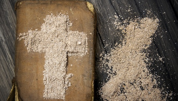 Mercoledì delle Ceneri, un sussidio per pregare in famiglia