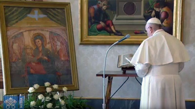 Preghiera di Papa Francesco di affidamento a Maria contro il coronavirus